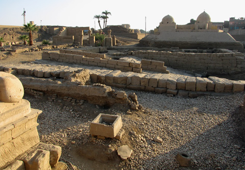 Recently exposed quay at Karnak